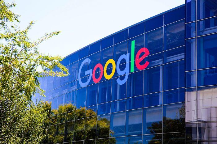 Google вакцина алмаған қызметкерлеріне кеңсеге келуге тыйым салды