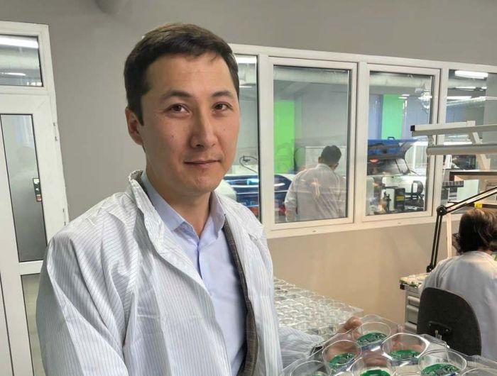 Сарытоғайлық жігіт жоғары технологиялық есептегіш шығару ісін жолға қоюда