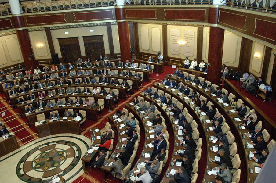 В Таджикистане объявили о досрочных выборах в парламент