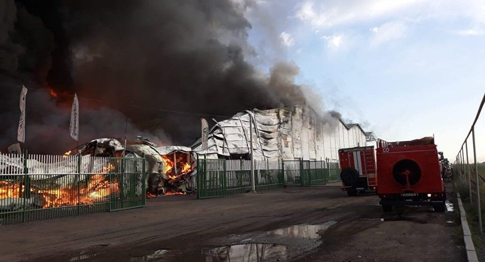 Пожар в Алматы  горят площади более 17 тысяч квадратных метров ... 249d59e57fa