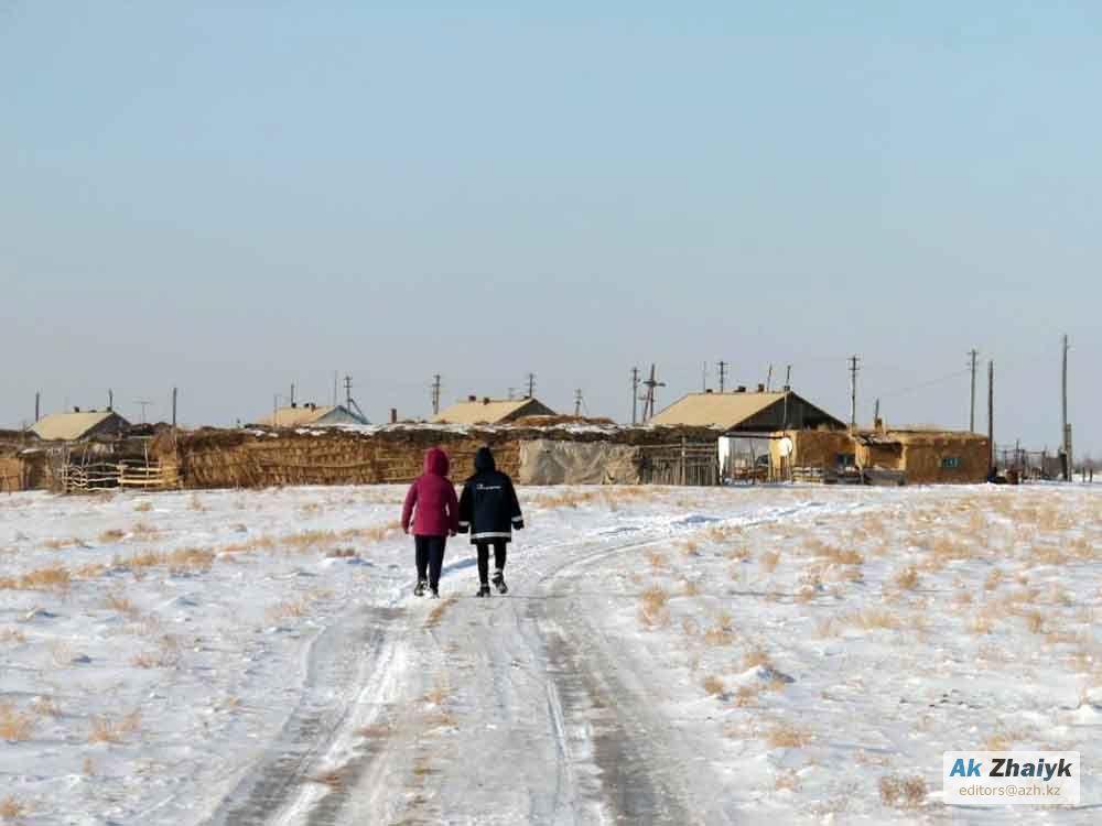 На недавней сессии Индерского районного маслихата депутаты приняли решение  передать село Бухар в административное подчинение Кызылкогинскому району. e0f2cb48701