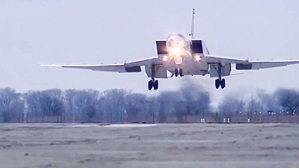 Опубликовано видео жесткой посадки Ту-22М3 в Мурманской области
