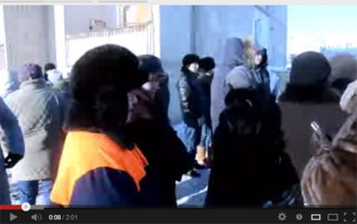 В Атырау у жильцов общежития провалился пол
