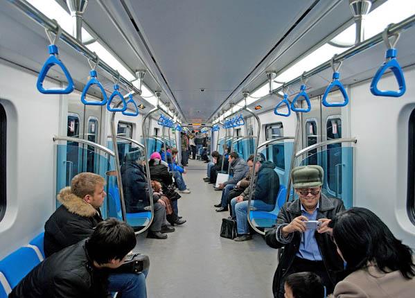 22003.jpg... Алматинское метро