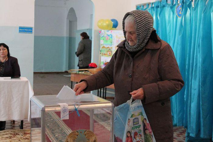Кто и как голосует в Атырау