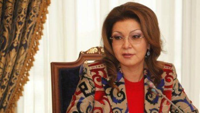 Дарига Назарбаева попросила министра разъяснить ситуацию с ретрансляцией российских каналов