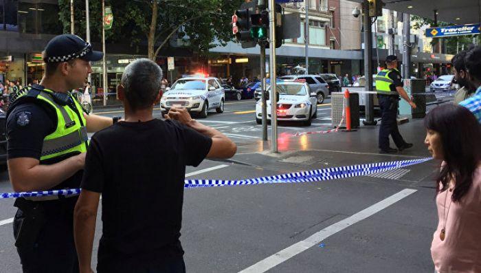 В Мельбурне автомобиль наехал на пешеходов