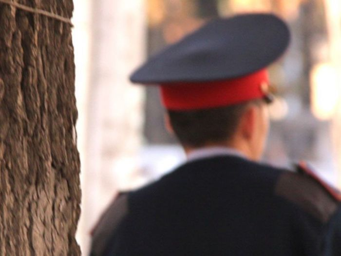 За взятку подчиненных уволили троих полицейских в Уральске