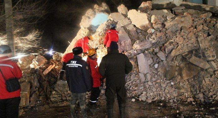 Подъезд пятиэтажного дома обрушился в Кызылорде, жильцы эвакуированы