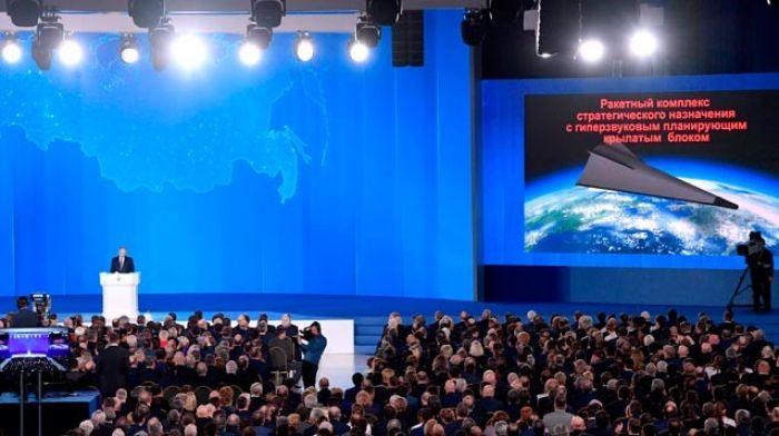 Путин в послании от обещаний перешел к бряцанию оружием