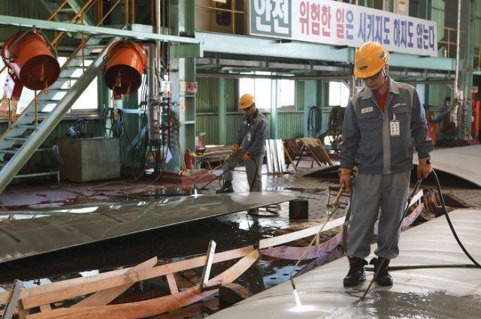 Южная Корея сократила рабочую неделю на 16 часов