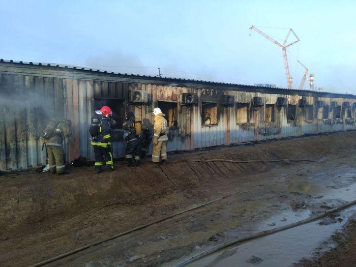 Шесть человек погибли при пожаре на Карабатане