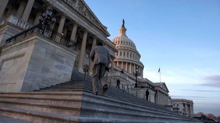 """Конгресс обвинил российскую """"фабрику троллей"""" во вмешательстве в энергетический рынок США"""