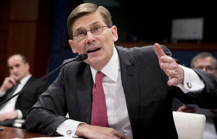 Экс-глава ЦРУ: в США вероятен теракт с использованием химического оружия