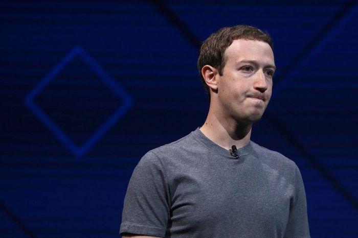 Один из крупнейших инвесторов Facebook потребовал отставки Цукерберга из-за утечки данных 50 млн пользователей