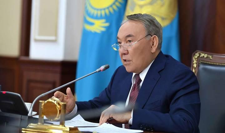 Нурсултан Назарбаев: Позорно женщинам продавать свое тело, когда столько работы здесь