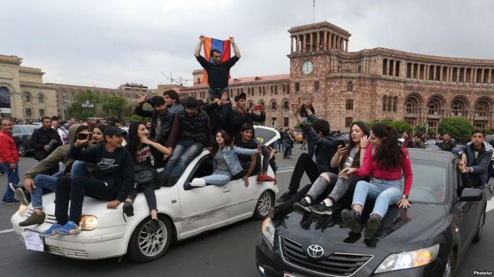 В Армении оппозиция требует отставки премьер-министра