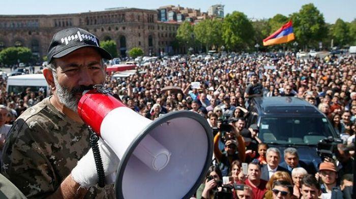 В Ереване возобновились антиправительственные акции протеста