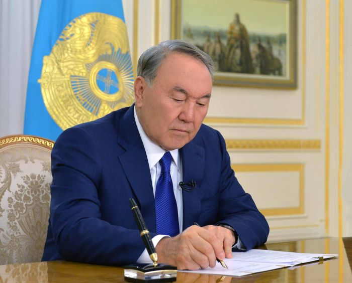 Нурсултан Назарбаев подписал поправки в бюджет страны на 2018-2020 годы