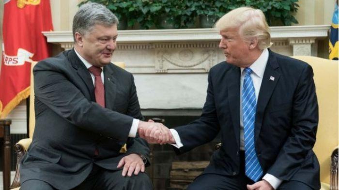 Источники: Украина заплатила юристу Трампа за организацию встречи с Порошенко