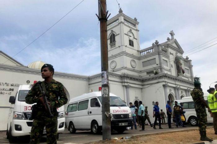 СМИ сообщили о гибели 160 человек при взрывах на Шри-Ланке