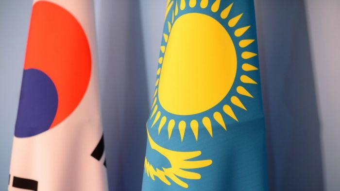 Казахстан и Корея могут совместно разработать спутник - Мун Чжэ Ин