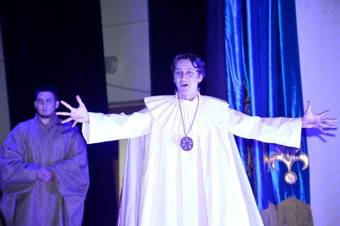 Замахнулись на Вильяма нашего Шекспира