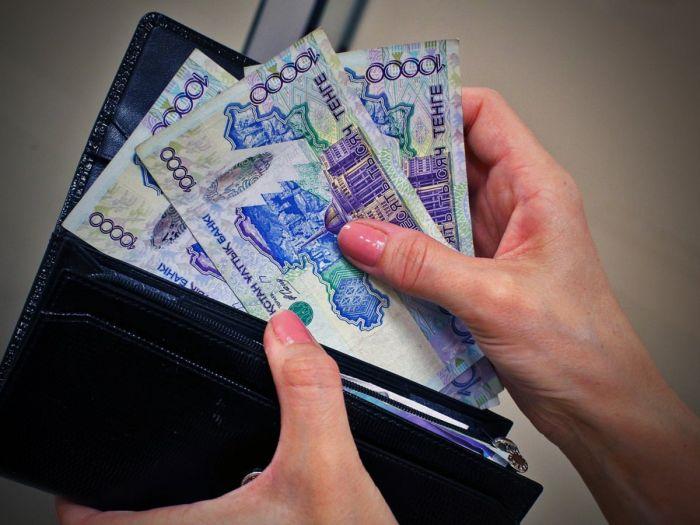 Среднемесячная зарплата в Атырауской области – 322 тысячи