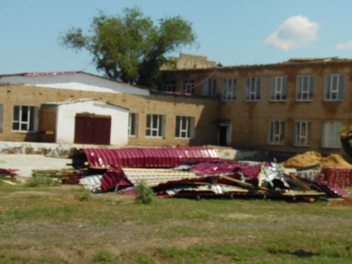 Школа постоит без крыши – нет денег