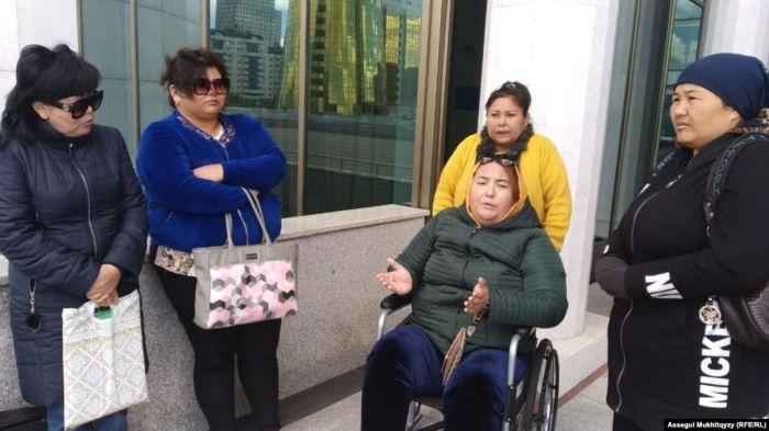 Около десятка матерей из Шымкента обивают пороги парламента в Нур-Султане