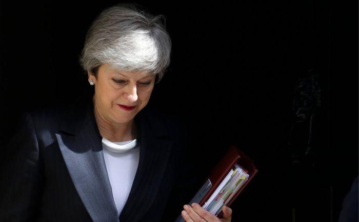 Times спрогнозировала отставку Терезы Мэй 24 мая