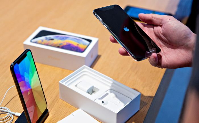 Китаец обманул Apple и получил вместо подделок 1,5 тыс. настоящих iPhone