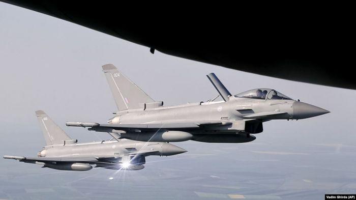 В небе над Германией столкнулись два истребителя Eurofighter