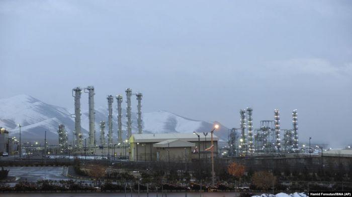 СМИ: Иран превысил лимит по запасам низкообогащенного урана