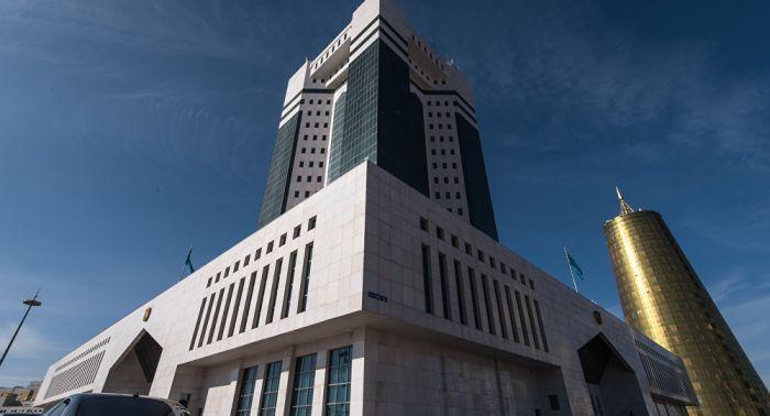 В Правительстве приняли поправки в бюджет о снижении долговой нагрузки населения