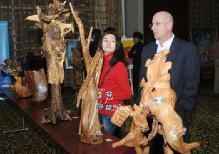 Нет материала для скульптора Калиева