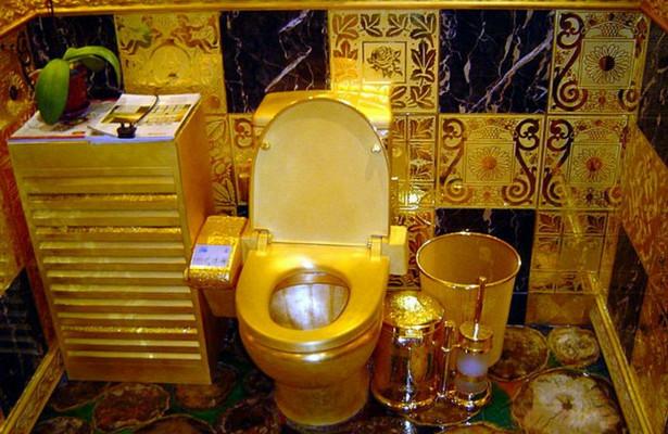 В Великобритании украли золотой унитаз стоимостью 1 млн фунтов, от ...