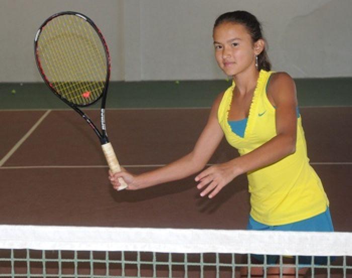 Маленькая Асель большого тенниса