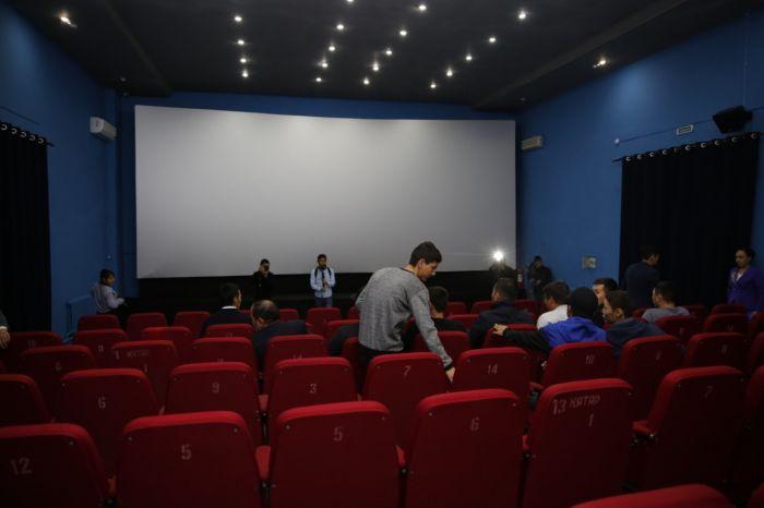 В Индерборском открылся 3D-кинотеатр