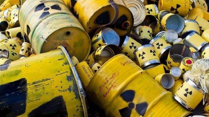 На Семипалатинском полигоне будут захоранивать твердые радиоактивные отходы