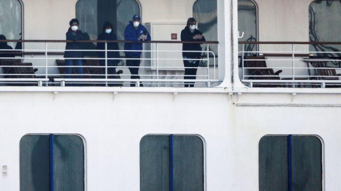 """""""Им тяжело, они в замкнутом пространстве"""" - врачи о казахстанцах на круизном лайнере"""