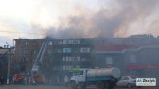 В Атырау горит многоэтажный дом