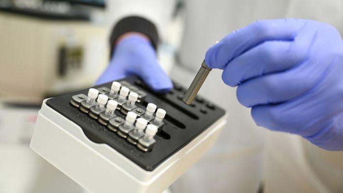 Состояние 13 пациентов, зараженных Covid-19 в Атырау стабильное