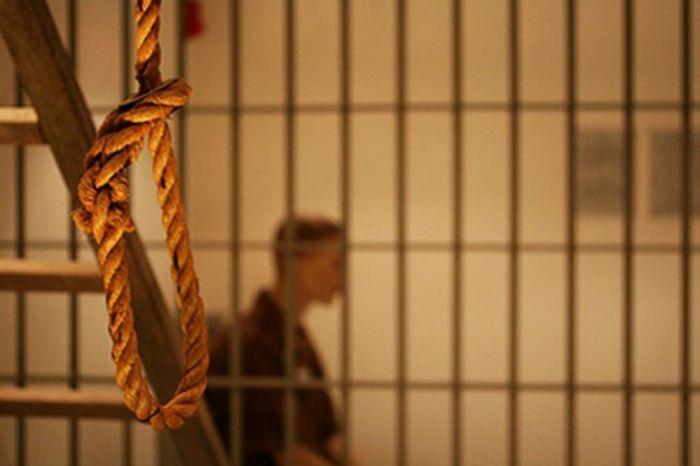 Задержанный повесился, пока полицейский ходил на обед