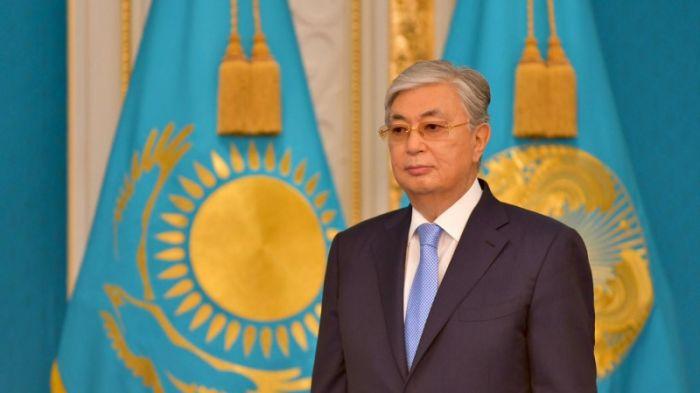 «Токаев vs. Назарбаев: ферзевый гамбит». «Президент пытается продемонстрировать, что у него есть собственный голос». «Компромисс по армянским авто. К чему пришли?»