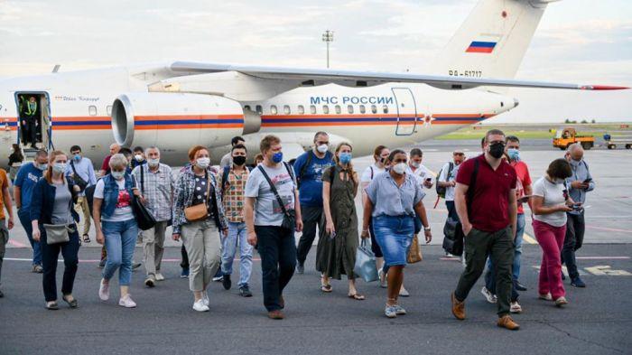 В Казахстан прибыли российские врачи-вирусологи