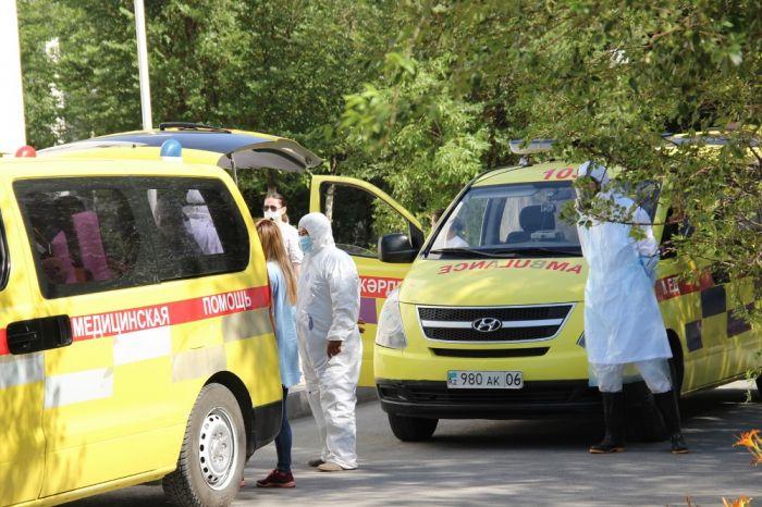 Минздрав: В Атырау и Мангистау не хватает врачей для борьбы с коронавирусом