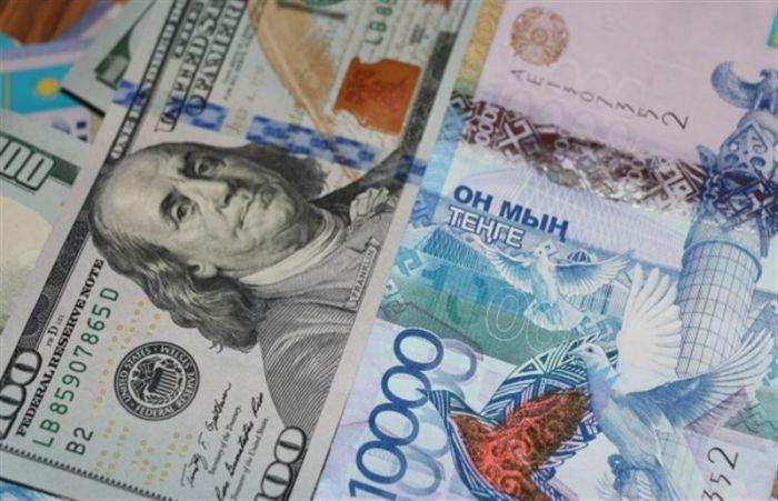На KASE доллар подорожал более чем на 3 тенге