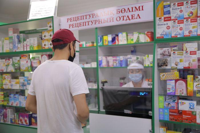 В аптеках Атырау завышали цены на лекарства
