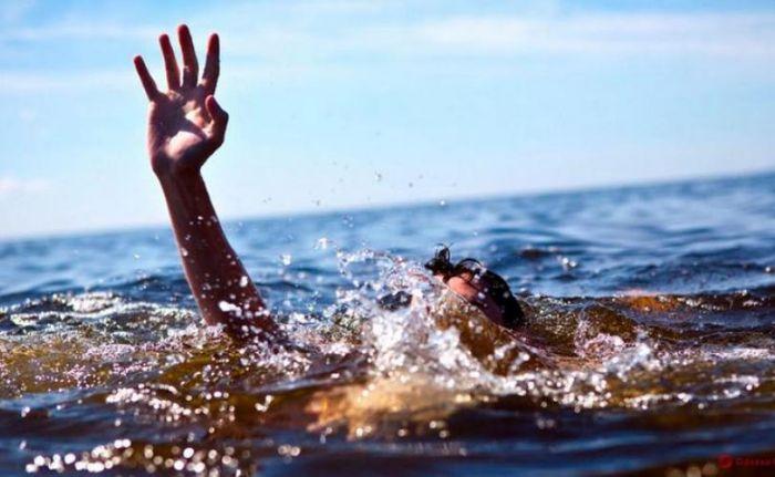Парень решил искупаться и утонул